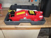 brand new trolley jackwith carry case 2 tons