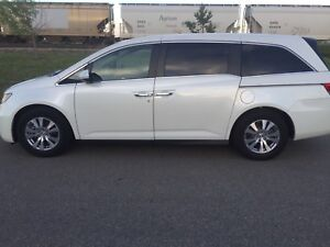 2014 Honda Odyssey EX-L: sunroof, back up cam