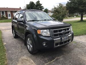 Fully loaded 2008 Ford Escape MUST GO!