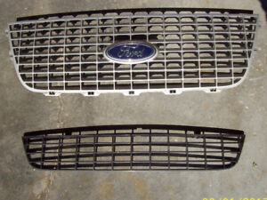 2004 Ford Expedition Front and Bumper Grill