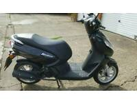 Peugeot Kisbee 50cc Moped black