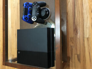 New condition 500GB PS4
