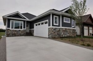 WALKOUT BUNGALOW BACKING ON LAKE - OPEN HOUSE AUG 20 MUST SELL