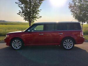 2011 FORD FLEX LIMITED, FULLY LOADED, DVD & MOON ROOF