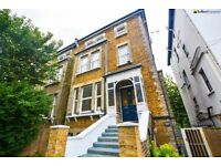 EXTREMELY SPACIOUS STUNNING 2 BED FLAT MINUTES TO KILBURN STATION - AVL NOW