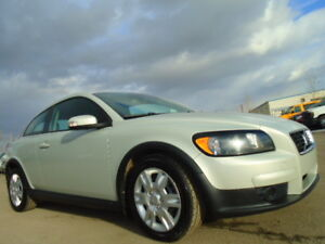 2009 Volvo C30 SPORT PKG--HEATED SEATS--2.5L T5  TURBO--AMAZING