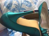 Green prom, wedding, party shoes size 6