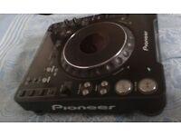 2 x Pioneer cdj's 1000 mk3