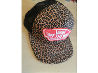 Vans leopard snapback hat