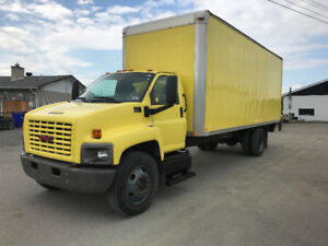 2007 GMC C6500 24' body with tail gate