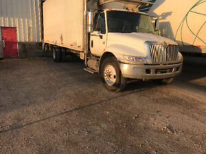 2007 international 4300 cab and chassis