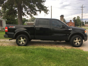 2006 Ford FX4  super crewPickup Truck