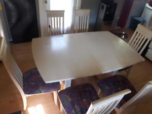 Table de cuisine avec 6 chaises (BOIS)