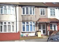 Newly refurbished 1 bedrrom flat located within walking distance to Colliers Wood tube