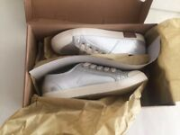Ugg Women's Silver Shoes /trainers Size 3/36