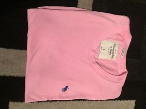3 Abercrombie and fitch T shirts