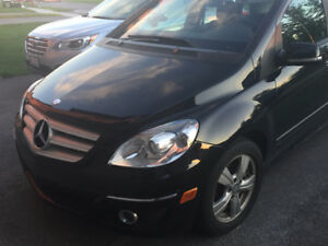 2010 Mercedes-Benz B200-Class Hatchback + 4 Winter Tires