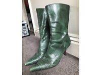 Faith Size 5 Forest Green boots