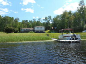 Lake House with your own dock to park your boat, on Long Lake