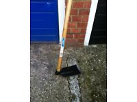 Digging hoe