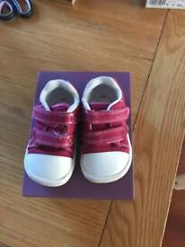 Clarks toddler shoes size 4F