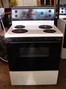 Electric stove in great condition!
