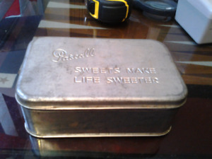 VINTAGE COLLECTIBLE 1950 PASCALL METAL CANDY BOX