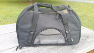 Pet carrier (small to medium)