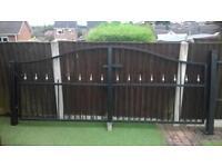 Iron gates 3100x1250