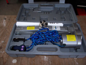 12 Volt Car Jack with Accessories