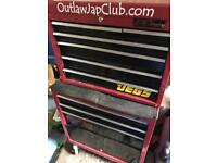 Red Halfords toolbox