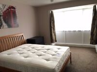DOUBLE ROOM IN SILVERTOWN