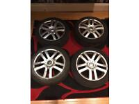 4 ORIGINAL GOLF MK5 2005 17 inch ALLOYS with Tyres