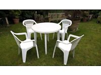 ** REDUCED FOR QUICK SALE** GARDEN PATIO SET GARDEN TABLE AND 4 CHAIRS