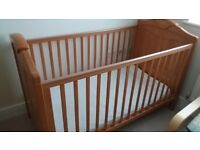 Baby cot and toddler cotbed