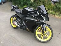 2010 YAMAHA YZF R125 BLACK, WITH LOTS OF EXTRAS