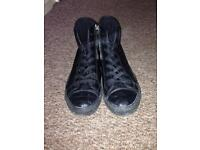 Size 8 Dunlop shoes