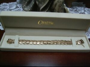 VINTAGE -  BEAUTIFUL  14K  GOLD BRACELET