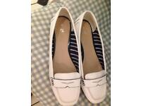 Ladies shoes worn only once £5
