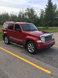 2008 Jeep Liberty Limited 4X4 - Fully Loaded with Navigation