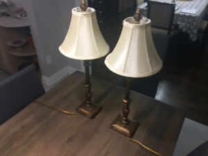 2 BOMBAY LAMPS IN MINT CONDITION ** AMAZING PRICE !!