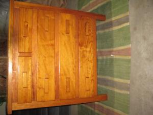 5 Drawer Dresser in good condition