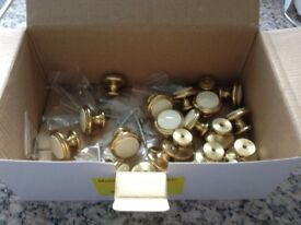 KITCHEN CUPBOARD DOOR KNOBS