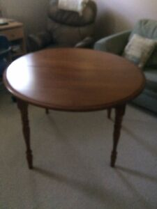Solid Maple Round Table