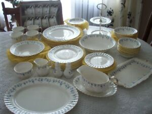 ROYALALBERT CHINA MEMORY LANE  74 PIECE SET