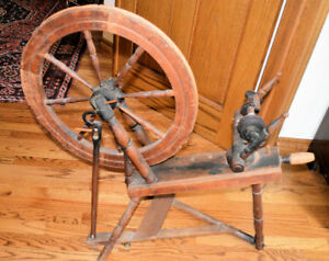 Vintage spinning wheel, fully functional