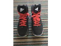 Men's Adidas Boost size 8 trainers