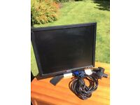 Dell Computer Screen / Monitor - 16inch - with cables - must collect