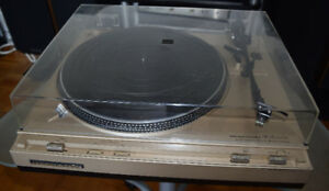 Marantz Turntable Model TT 2200