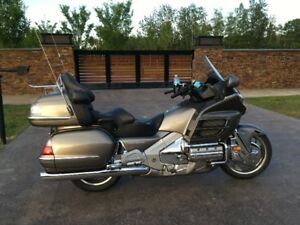 2006 Goldwing audio comfort navi and trailer